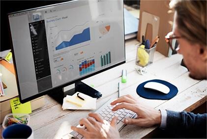 Analytics & BI